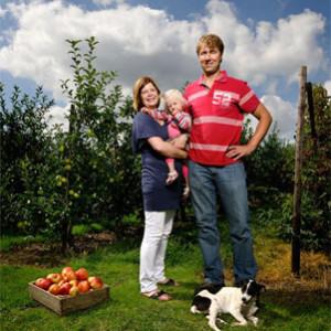 Familie Vink in de boomgaard